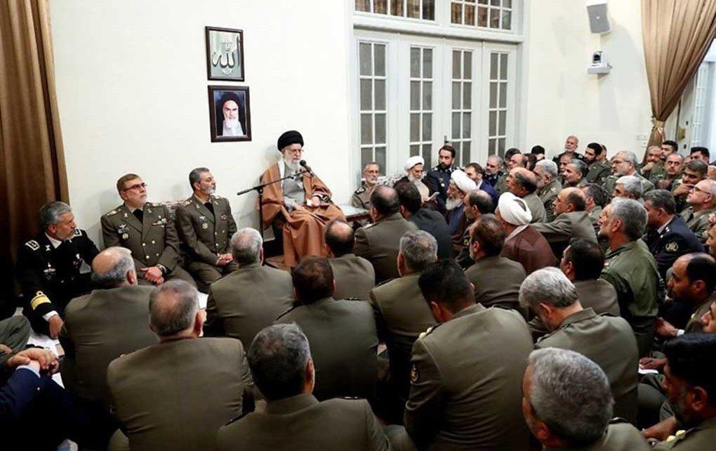 جمعی از فرماندهان ارتش با فرمانده معظم کل قوا دیدار کردند