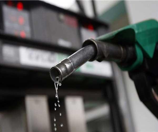 بنزین از فردا شب سهمیه بندی میشود