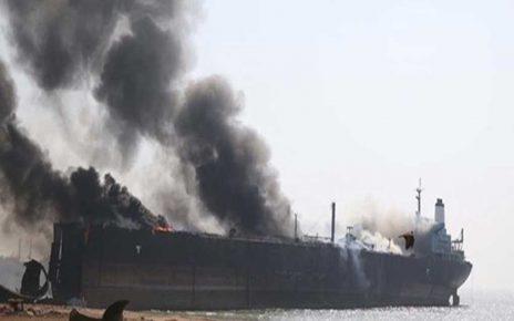 انفجار ۲ نفتکش در دریای عمان