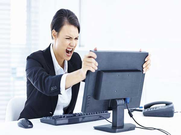 وقتی کامپیوتر هنگ میکند، چه کنیم؟