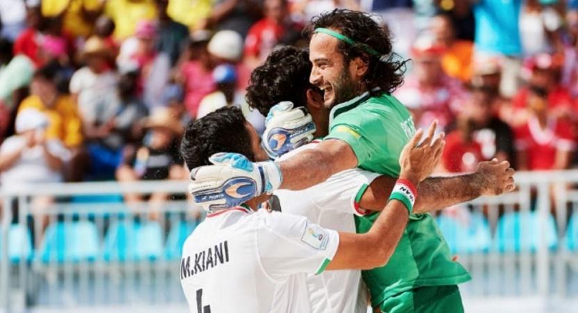 آتش بازی ساحلی بازان در فینال جام بین قارهای