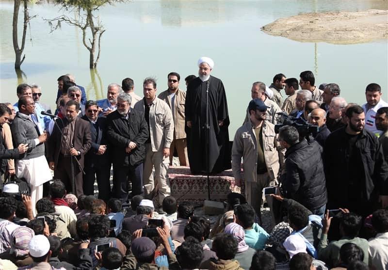 رئیس جمهور در چابهار: باید سختی هایی که مردم سیستان کشیده اند جبران شود