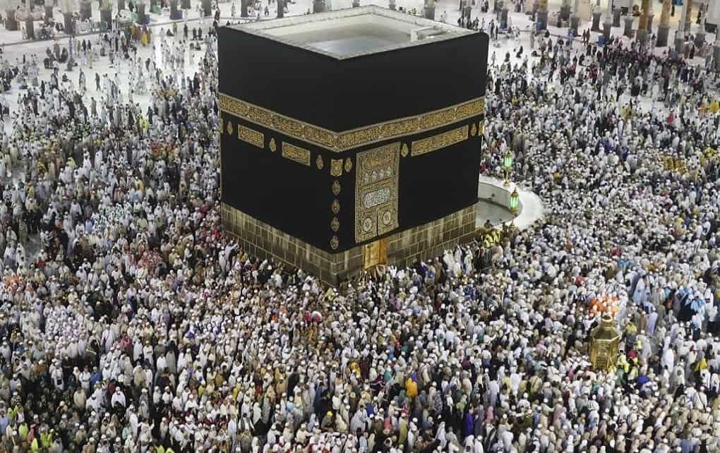توقف مراسم حج عمره به دلیل شیوع کرونا