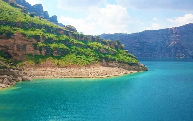 دریاچه ی شهیون بهشتی دنج در دل زاگرس