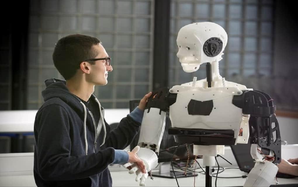 ساخت ربات های دارای احساس