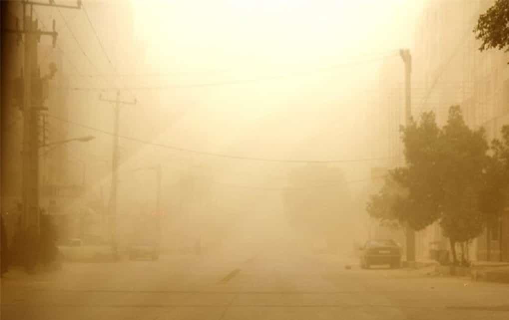 طوفان شن در استان کرمان راه ارتباطی  ۷۳ روستا را بست