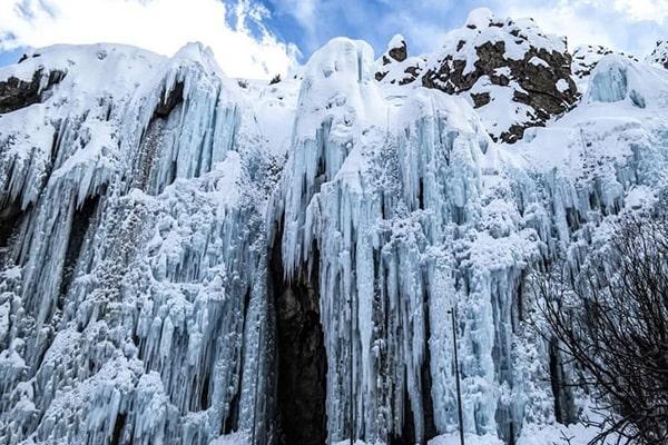 آبشار یخی هملون