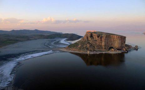 وسعت دریاچه ارومیه