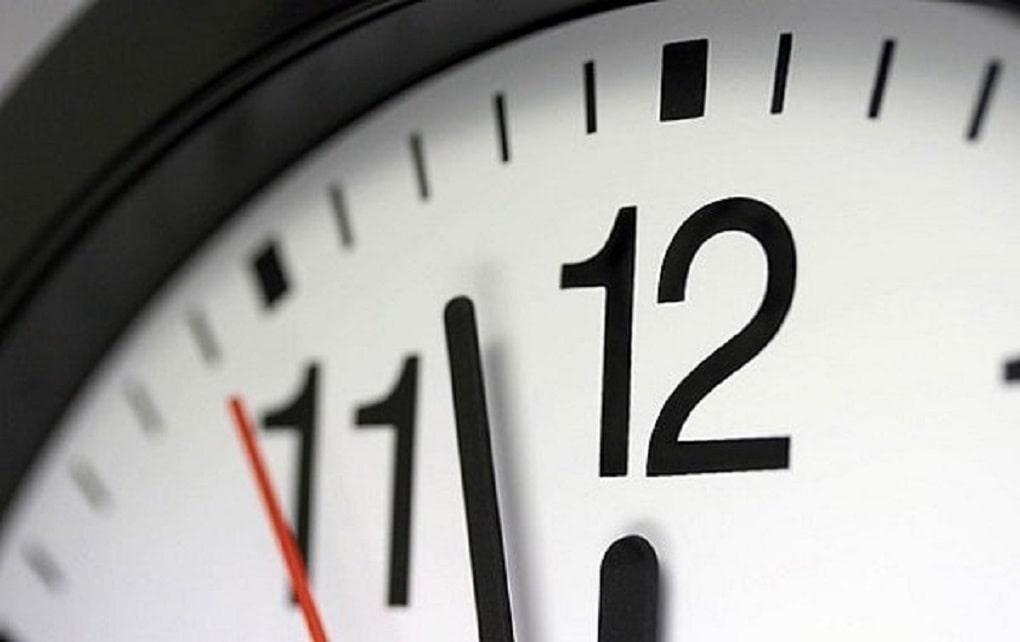 فردا شب، ساعت رسمی کشور یک ساعت جلو کشیده می شود