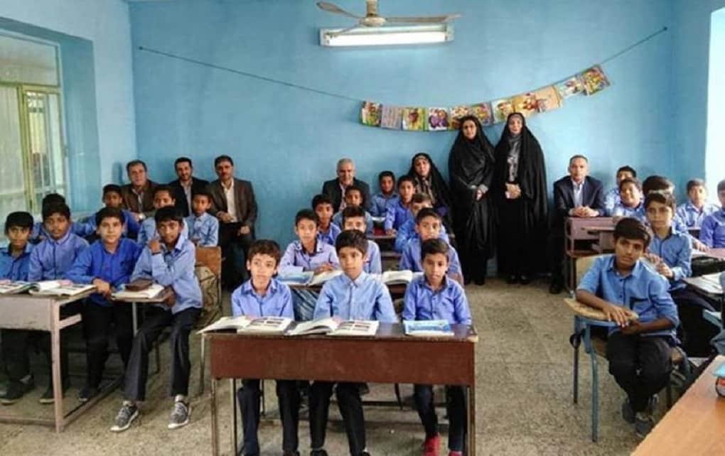 رئیس جمهور: یک ماه به سال تحصیلی دانش آموزان اضافه میشود