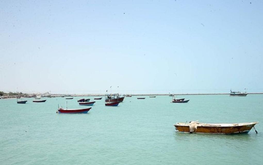 توقیف ۵ قایق مسافربری در کیش