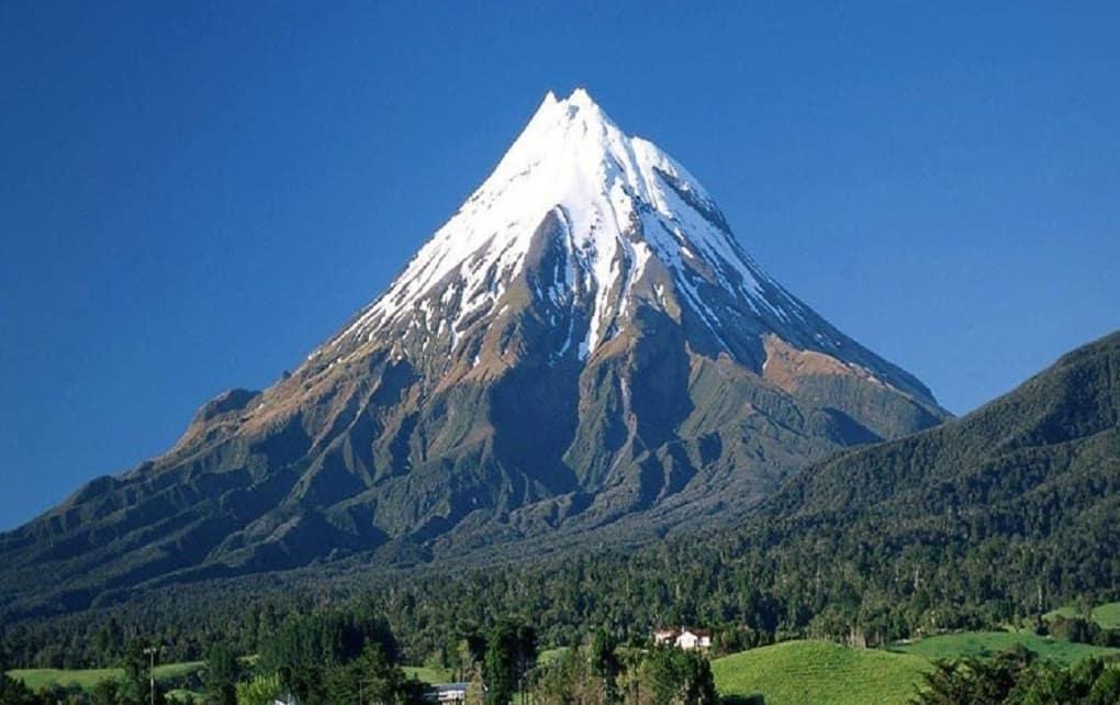 مرکز لرزه نگاری: فعال شدن آتشفشان دماوند، شایعه است