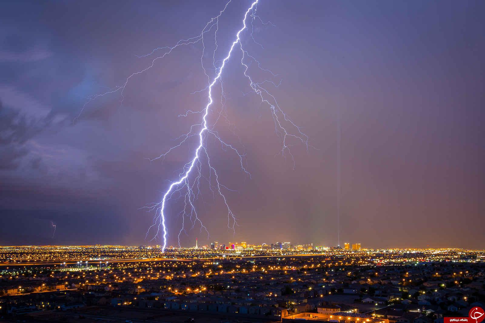 رکورد طولانیترین رعد و برق جهان شکسته شد