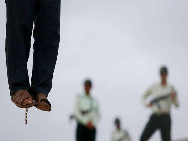 اعدام عوامل بمب گذاری مهاباد