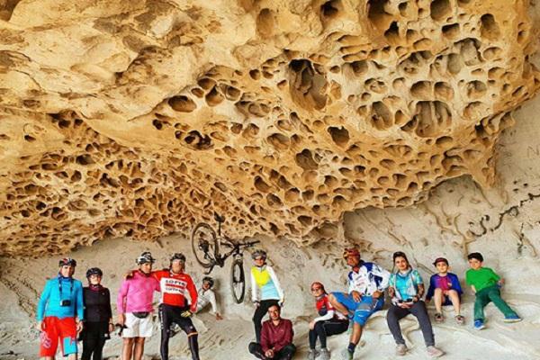غار ایوب کرمان