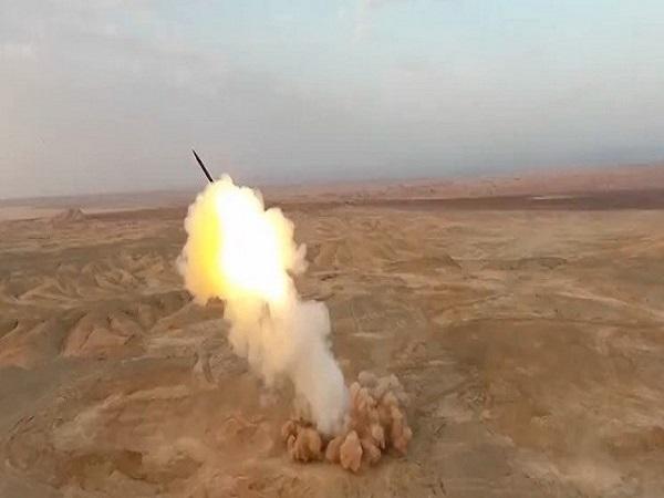 نخستین تصاویر شلیک موشک های بالستیک سپاه از اعماق زمین