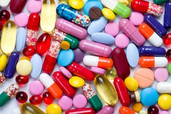 آیا ویتامینهای تاریخ مصرف گذشته را میتوان مصرف کرد؟