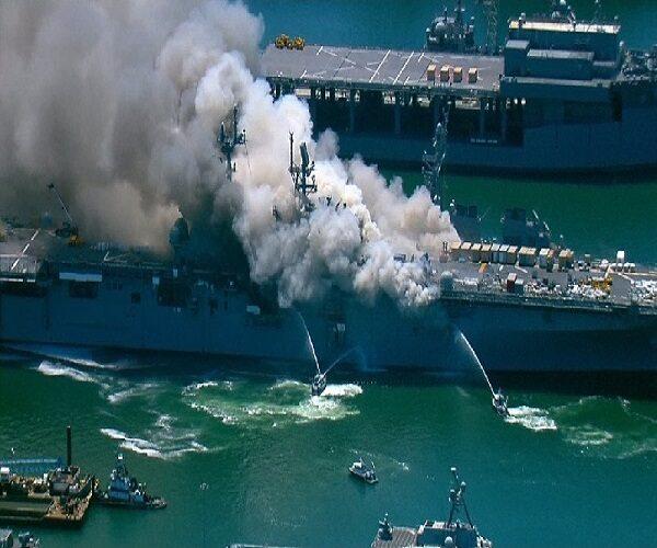 آتش سوزی کشتی جنگی آمریکایی سندیهگو
