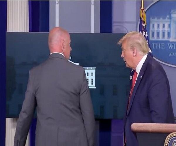 قطع ناگهانی کنفرانس خبری ترامپ به دلیل تیراندازی در اطراف کاخ سفید