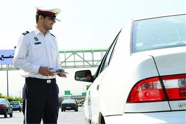 جریمه بیرون انداختن ماسک و دستکش از خودرو چقدر است؟