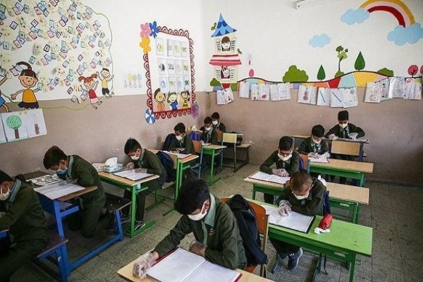 کلاس اولیها 15 شهریور مدرسه میروند