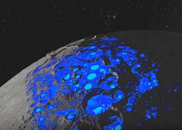 وجود آب در ماه