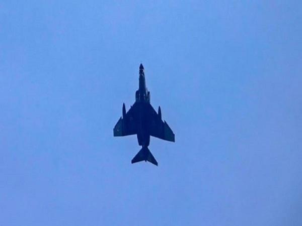 لحظه ساقط شدن جنگنده آذربایجان توسط پدافند هوایی ارمنستان + ویدیو