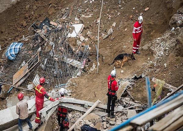 کشف دو جسد از محل حادثه ریزش آوار در خیابان فلاح