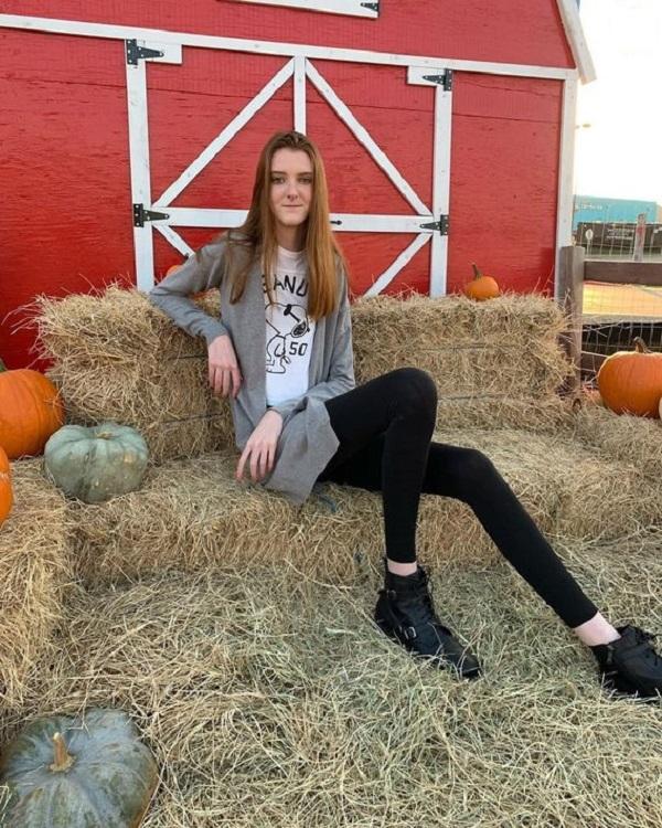دختری که بلندترین پاهای جهان را دارد + تصاویر