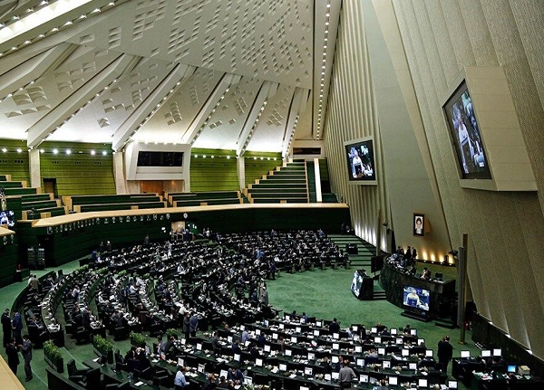گام بلند مجلس برای وادار سازی آمریکا و اروپا به لغو تحریمها
