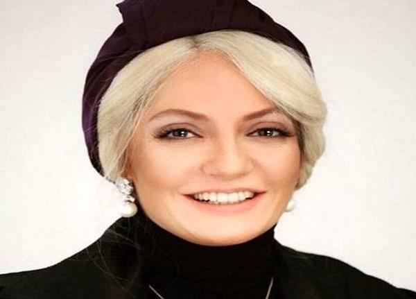 جدیدترین عکس ها از مهناز افشار در خارج با حجابی عجیب