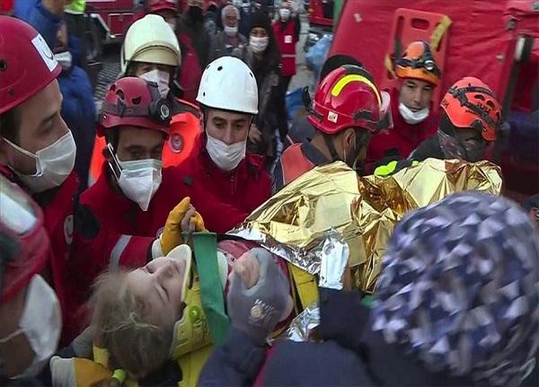 فوت ۸۱ تن در زلزله اخیر ترکیه | نجات یافتن کودک سه ساله از زیر آوار
