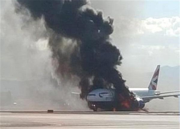 آتش سوزی هواپیما مسافربری انگلیس در اسپانیا + ویدیو
