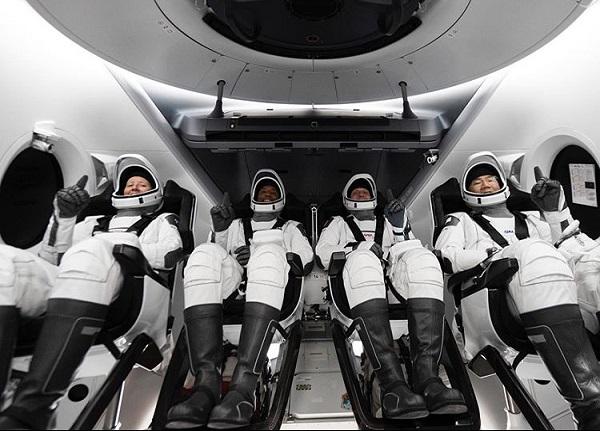 پرتاب چهار فضانورد به ایستگاه فضایی