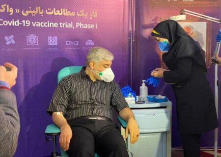 لحظه تزریق واکسن کرونا ایرانی به دومین داوطلب + فیلم