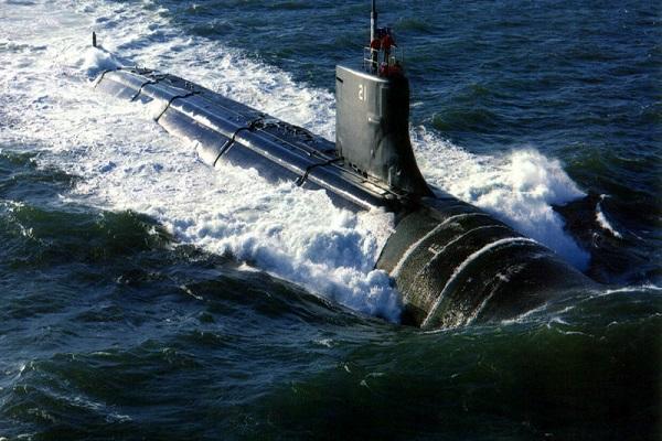 ورود زیردریایی آمریکا به خلیج فارس