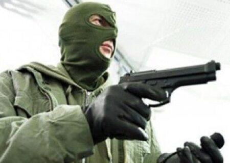سرقت مسلحانه از طلافروشی در سمنان منجر به جراحت طلافروش شد