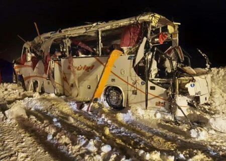 واژگونی مرگبار اتوبوس فوتسالیستها در محور کرج ـ چالوس + عکس