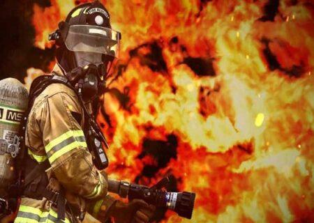 آتشنشانان برای نجات مادر و کودک آبادانی دل به آتش زدند + ویدیو