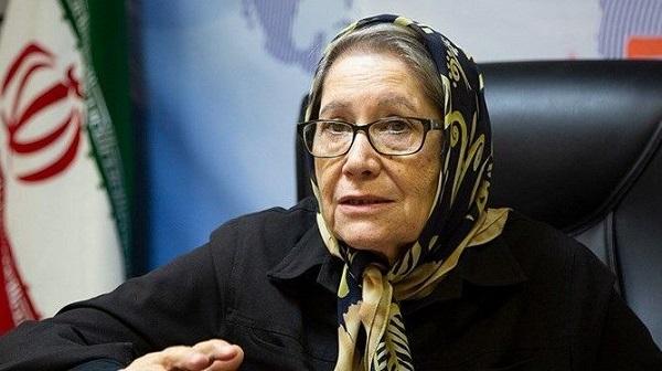 تزریق واکسن ایرانی به مینو محرز