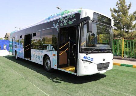 اولین خودروی الکتریکی ۱۰۰ درصد ایرانی با نام اتوبوس شتاب رونمایی شد