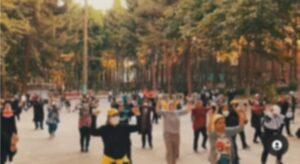 رقص زومبا زنان در پارک های کرمانشاه + عکس