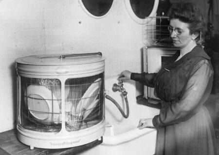 داستان جالب اختراع ماشین ظرفشویی توسط خانم کوکرین