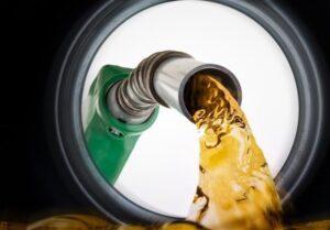 قیمت هر لیتر بنزین ۱۴ هزار تومان می شود